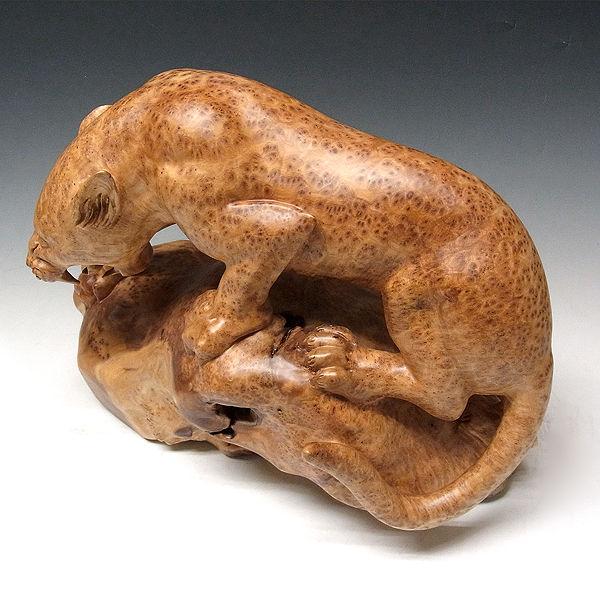 杉/椙(スギ) 木彫りの豹(ヒョウ) 幅48cm 高33cm (販売・木彫り)