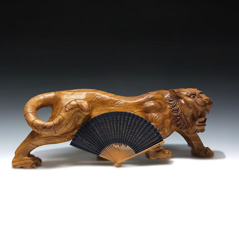 楠/樟(クス) 木彫りの虎 幅:91cm (販売・木彫り)