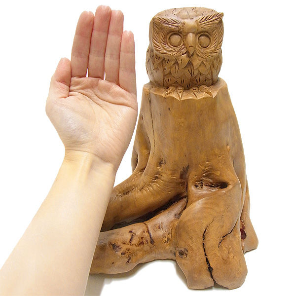 【特別プライス】楠/樟(クス) 木彫りのふくろう 高さ:26.5cm