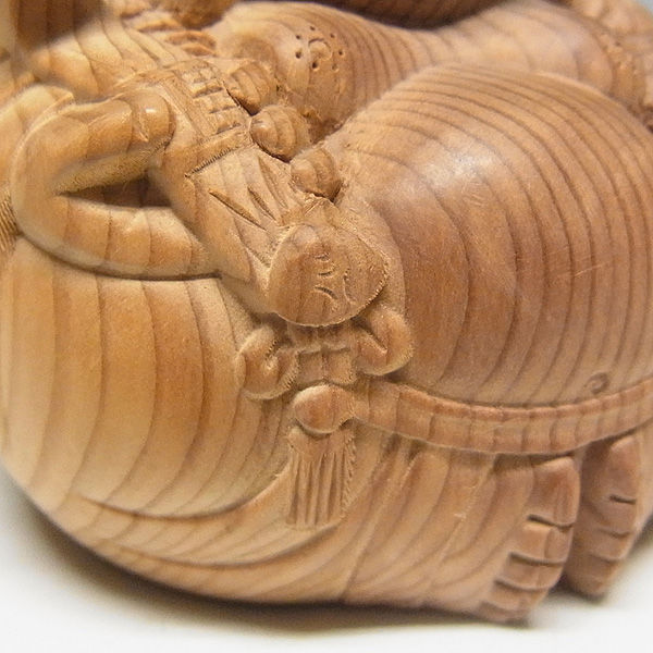 紅豆杉/赤豆杉(ベニマメスギ) 達磨布袋 高さ:7cm (販売・木彫り)
