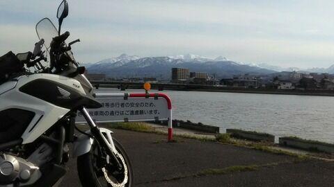 4月新潟県直江津から観る妙高高原(東北ツーリングの途中)