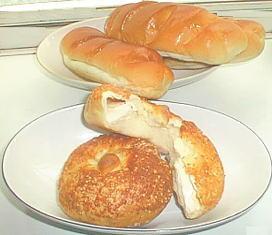 カマンベールパンとコッペパン