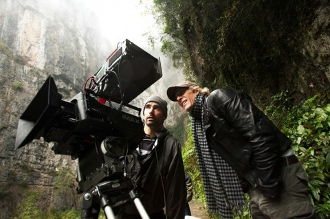 Michael-Bay-IMAX-3D-Camera-550x366