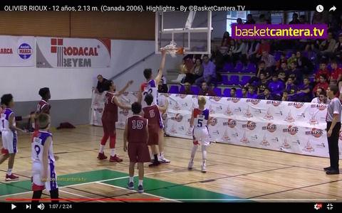 【世界仰天キッズ】12歳で身長2m13cm!バスケ少年オリバー君、ダンクシュートもジャンプなしで話題に ー カナダ