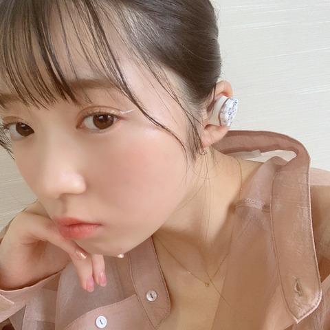 アイドル・山岸理子 初めての完全ワイヤレスイヤホンを買った初日に落としてしまう