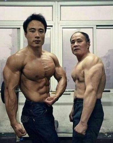 【画像】ガチで筋肉がヤバイ中国人が発見されるwwwwwwwww