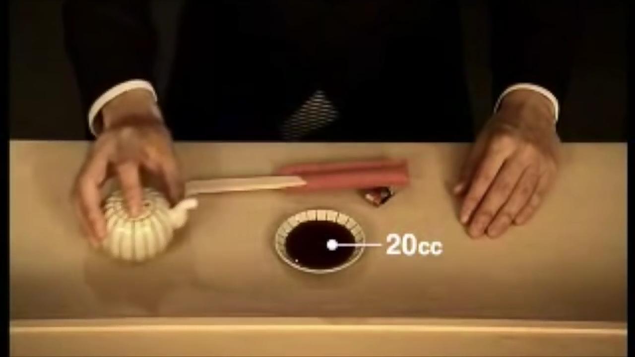 【激論】寿司屋で小皿に醤油かける?普通寿司に直接かけるだろwww