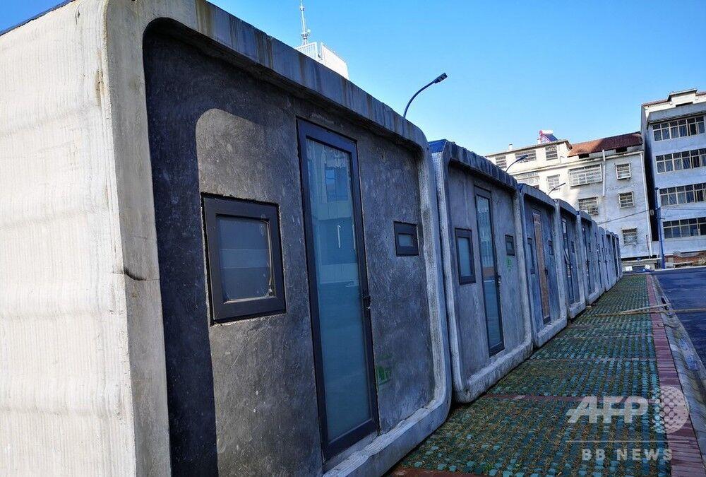 【スゲェ!】上海の企業、3Dプリンターで作った隔離病室15棟を湖北省の病院に寄贈 ベッド2つ設置可 2時間で製造←ドラえもんの世界かよ
