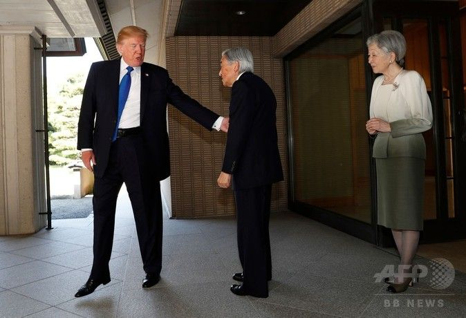 【悲報】オバマとトランプの天皇に対する態度が違いすぎると話題に