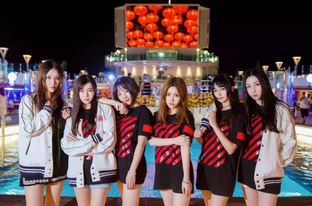 【画像】中国の女子プロゲーマーチームがすごすぎる件
