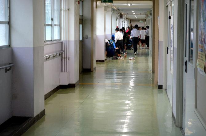 「学校の常識」なくす 自由な学び、廊下も教室 理由ない校則 続々廃止…世田谷区立桜丘中