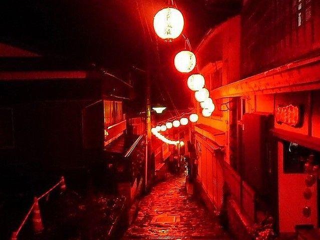 「千と千尋」の舞台にしか見えない... 大分・湯平温泉街があまりに異世界すぎる