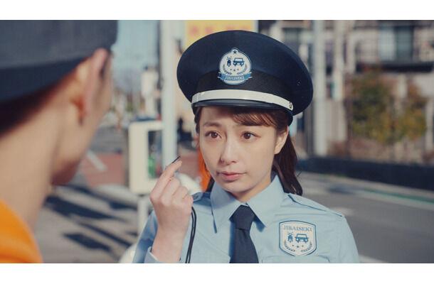 【芸能】宇垣美里アナ、Webムービーでコスプレ披露!警察官・ガソリンスタンド店員・バイカーに変身!