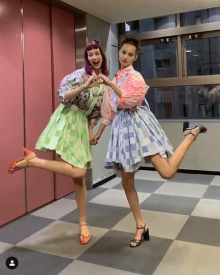 【芸能】水原希子、妹・佑果との2ショットに「スタイル良すぎ」「天使ちゃん」の声