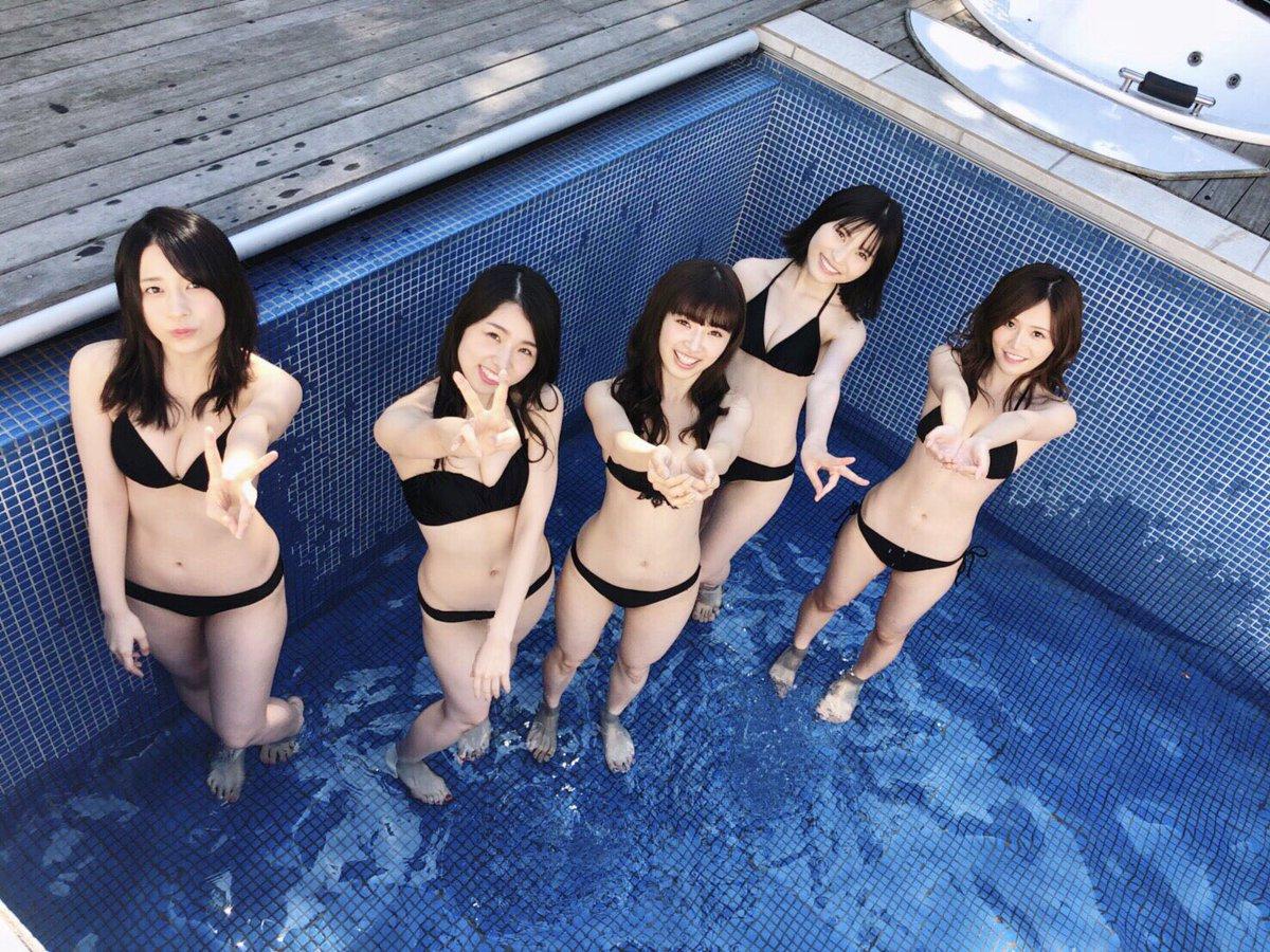 【朗報】今週の週刊プレイボーイのグラビアでパッとしないAKBメンバーが水着姿を披露wwwwwwww