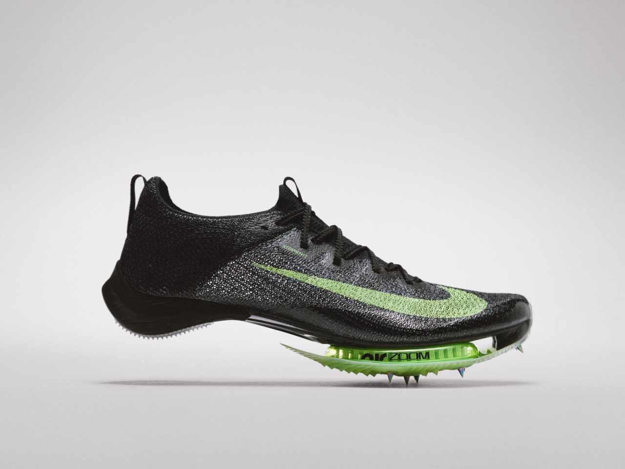 【朗報】ナイキさん、ガチですごいカーボン板バネ靴を発表 新規制にも対応wwwwww