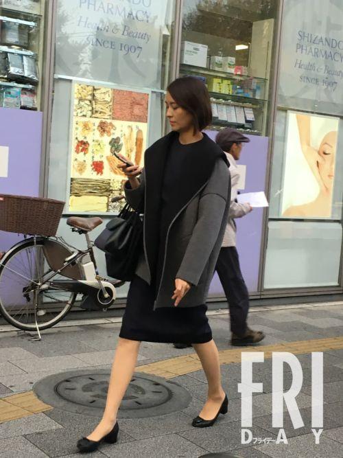 """【芸能】お受験スーツで東奔西走。青木裕子アナは""""ちょぴり""""お疲れモード"""
