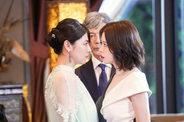 【画像】長澤まさみとビビアン・スーの睨み合いワロタ…