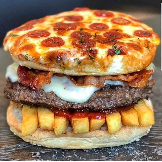 【画像】アメリカのハンバーガーが頭悪すぎるwwwwwwwwww