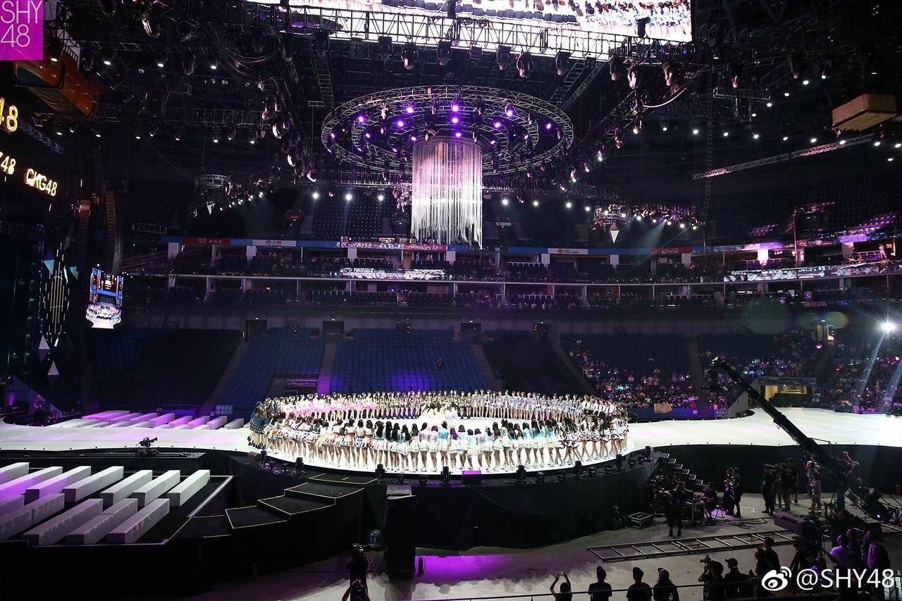 【画像】 SNH48総選挙会場が凄すぎるwwwwwwwwwwwwwwwwwwwwwwwwwww