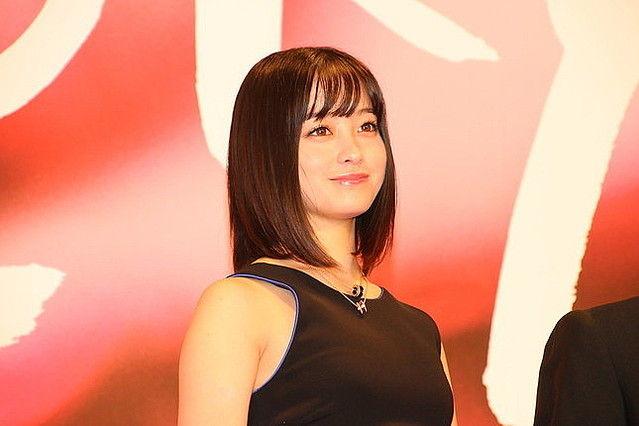 【1000人に1人の美女】橋本環奈、「二重アゴ」に見えるとファンショック 太ったのか、角度で見えるだけなのか