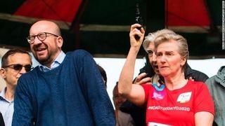 【悲報】王女が鳴らしたマラソン大会の号砲で首相が「難聴」に