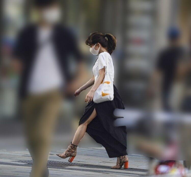 【芸能】田中みな実 極深スリットスカート姿に「プロ意識」が見えた  [ひかり★]