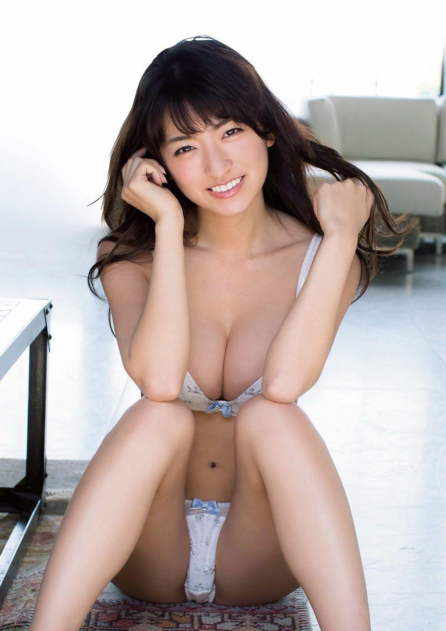 【グラドル】Gカップバストあらわで開脚 「現役女子大生」☆HOSHINO史上最高のグラビア