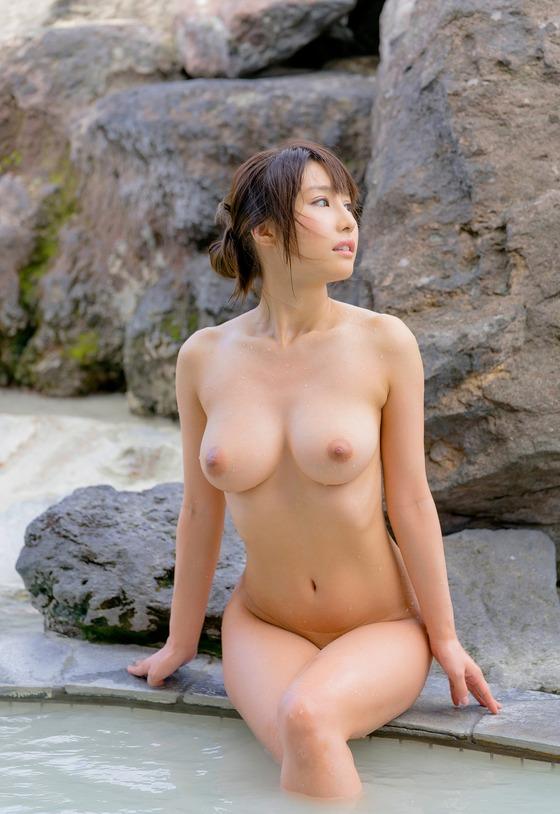 あやみ旬果(お風呂・全裸ヌード)エロ画像