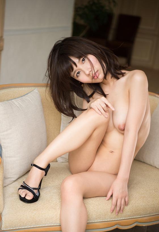 栗衣みい(全裸ヌード)エロ画像