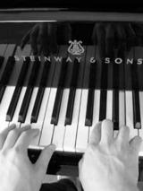 ピアノと指