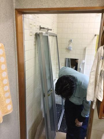 既存浴室折戸撤去