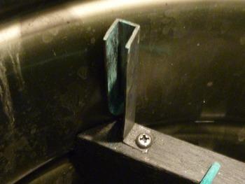 ペール缶刷毛保管容器 目地刷毛用部分細工