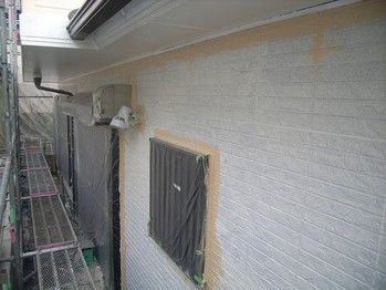 外壁塗装 上塗1回目