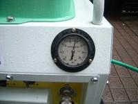高圧洗浄機の圧力計