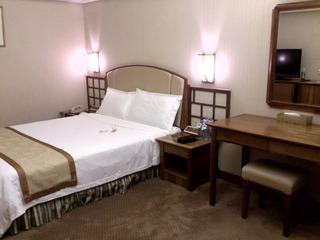 ユエハイ酒店の部屋2
