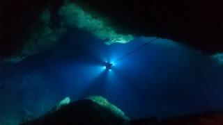 龍泉洞の地底湖1