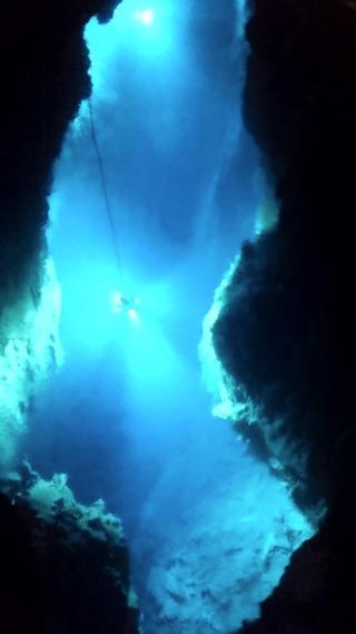 龍泉洞の地底湖4