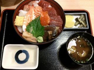 伊豆海鮮丼