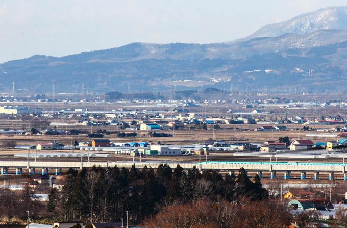 窓から新幹線