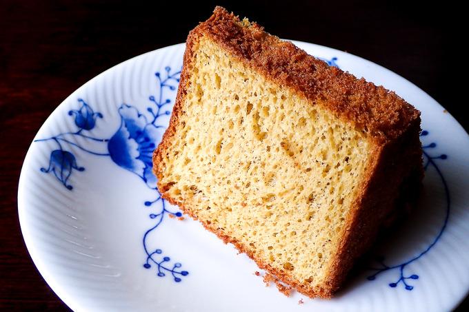 波照間産黒糖のシフォンケーキ