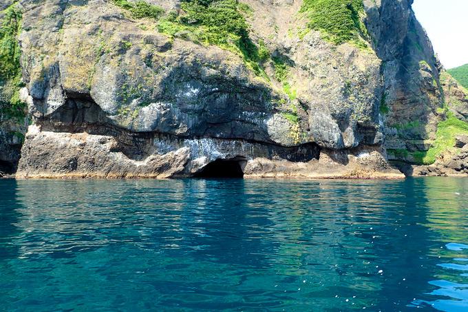 青の洞窟とツヅラ沢 「岩部クルーズ」