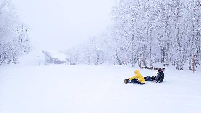 こんな厳寒にスキーかよ