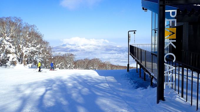 こんな陽気にスキーかよ