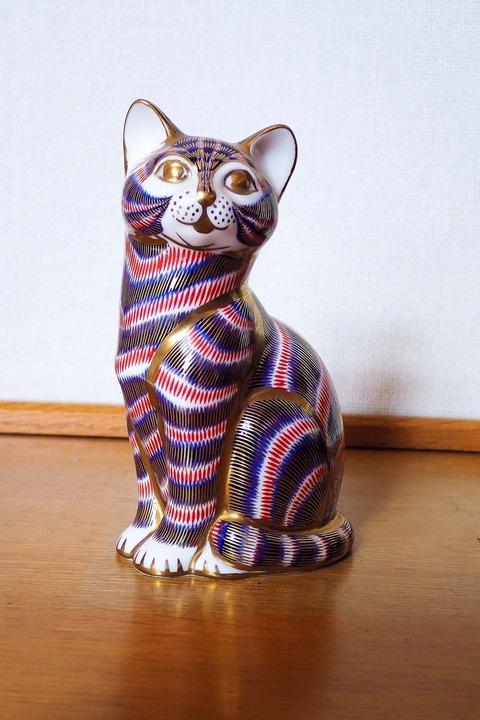 ロイヤル・クラウン・ダービーの猫 ①