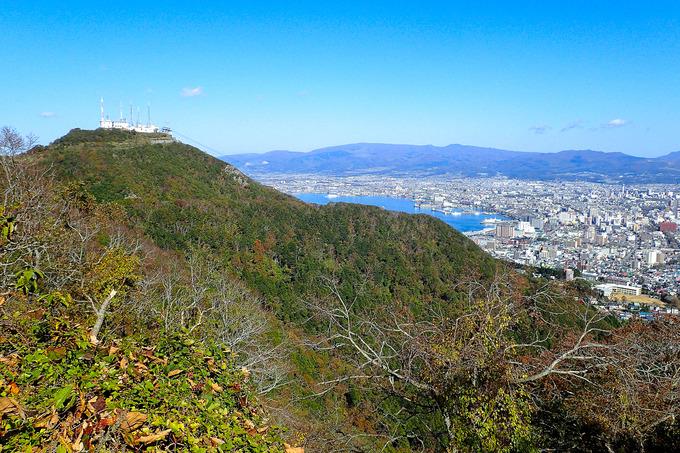 秋を求めて函館山へ