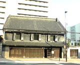 旧篠原家住宅(右)