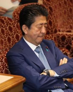 野党「前代未聞」「総辞職に値」 10万円給付、方針転換批判
