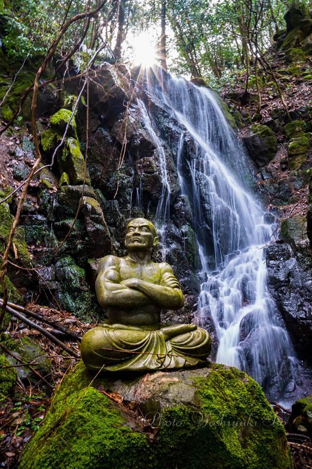 文覚上人と鍋倉の滝