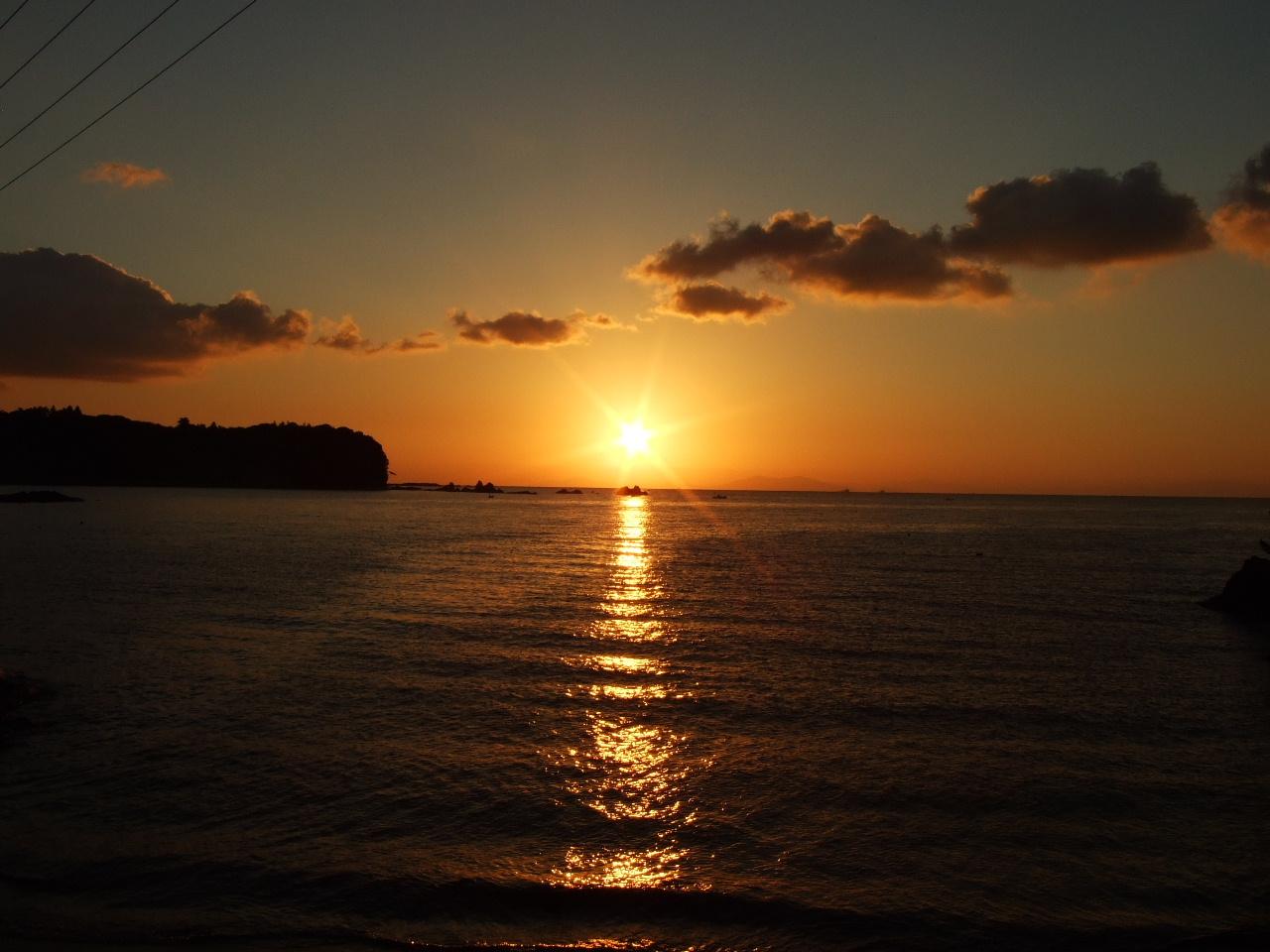 佐渡写真展~佐渡の四季365DAYS:【佐渡-小木】矢島経島からの日の出 ...